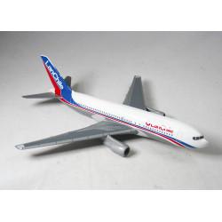 LanChile Boeing 767-300